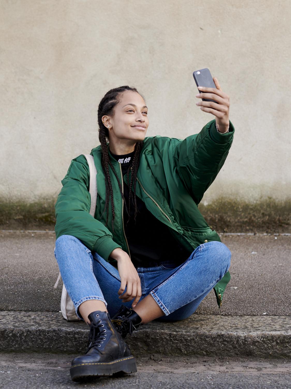 Chụp ảnh selfie đẹp là cả một nghệ thuật