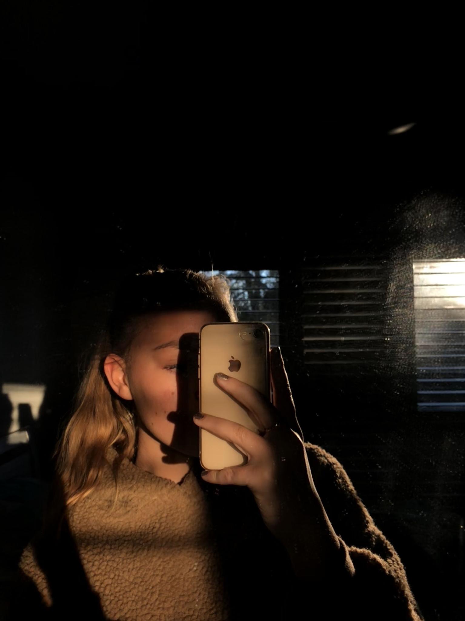 Bức ảnh selfie bị bóng tối cắt ngang sẽ kém hoàn hảo