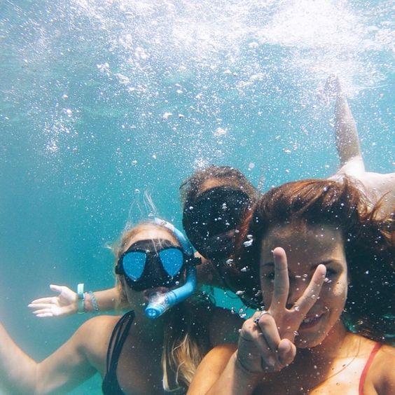 Chụp selfie dưới nước khiến bức ảnh trở nên độc đáo hơn