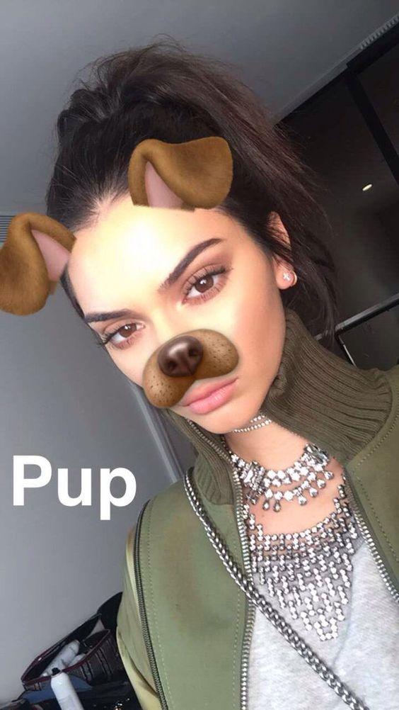 Cách chụp hình selfie đẹp là tải snapchat