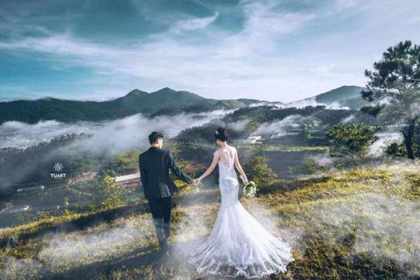 Ảnh cưới săn mây tại Đà Lạt