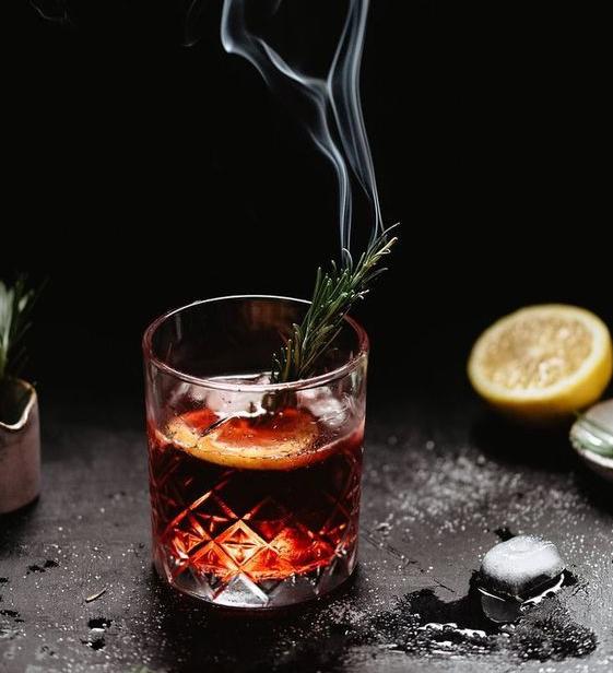 Ý tưởng concept ảnh chụp đồ ăn với khói